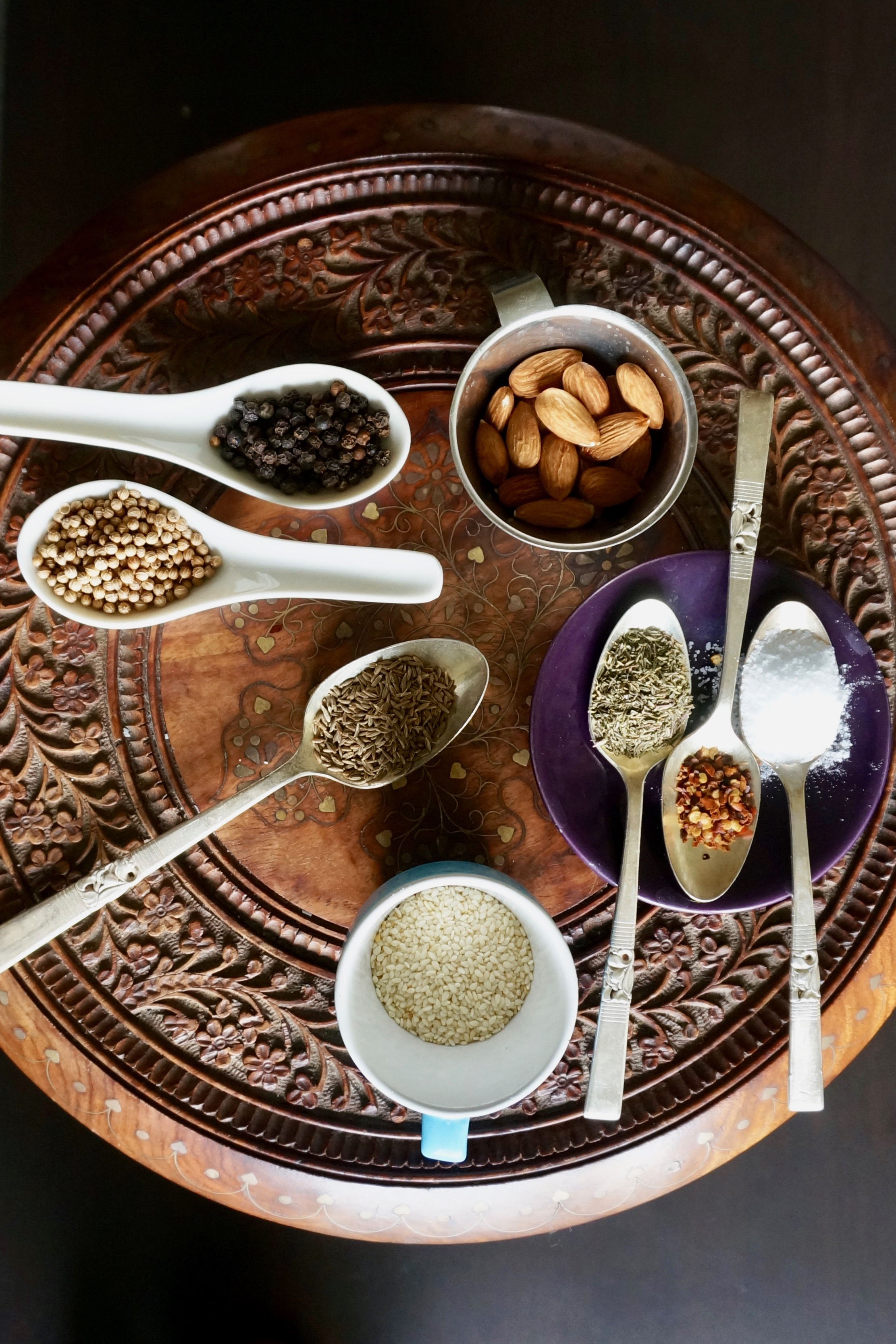 dukkah ingredients topview 2